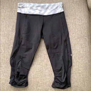 Lululemon under knee crop pant